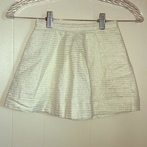 Oshkosh Pleated Gold Metallic Skirt, Size 6, EUC